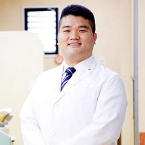 歯科医師 山口